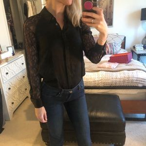 Equipment size xs SILK black lace sleeve blouse